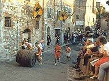 Montepulciano pageant and games