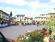 The Piazza, Greve-in-Chianti Image used by permission of www.greve-in-chianti.com