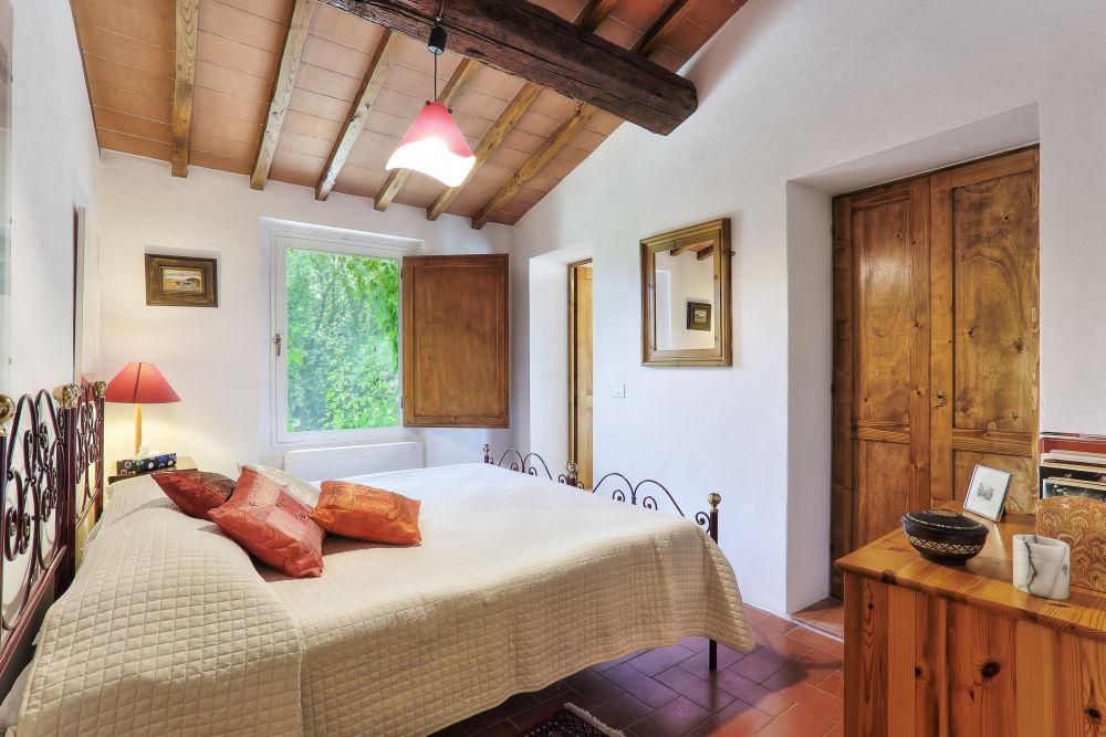 Aia Capanna bedroom 1